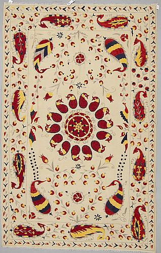 A carpet, embroided flat weave, ca 301 x 190 cm.