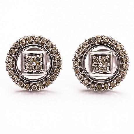 A pair of 18k white gold earrings with brilliant cut diamonds ca. 0.33 ct in total.