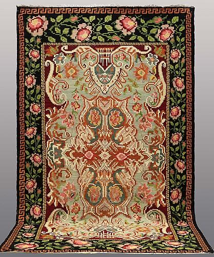 A carpet, kilim bessarabisk, ca 334 x 200 cm.