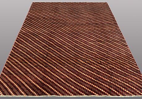 A carpet, orientalisk, ca 259 x 176 cm.
