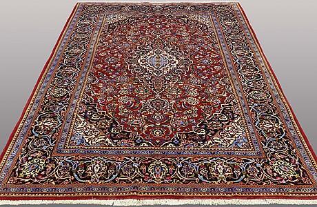 A carpet, kashan, ca 310 x 202 cm.