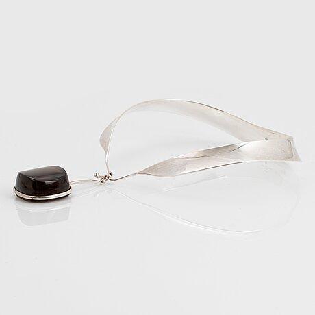 Vivianna torun bülow-hübe, a sterling silver collier, design nr 160, the pendant nr 132 with a smoke coloured qvartz, georg jensen, copenhagen,