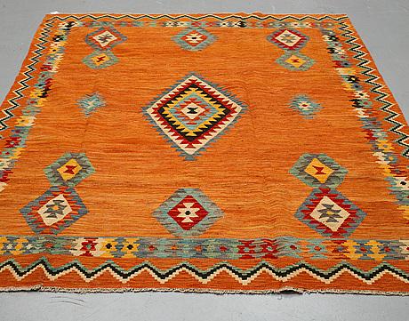 A carpet, kilim, ca 295 x 202 cm.
