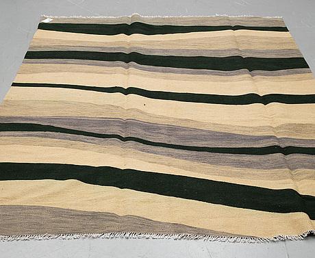 A carpet, kilim, ca 291 x 197 cm.