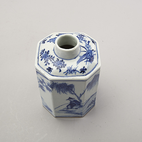 A set of two chinese 19th century blue and white porcelain tea caddies.