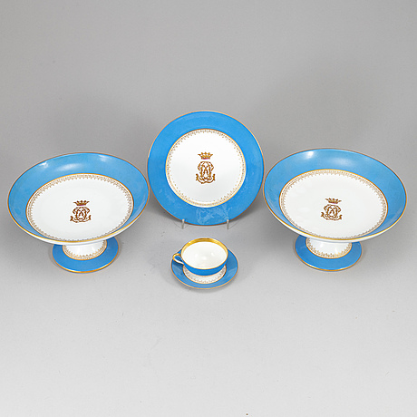 An early 20th century porcelain coffee service.