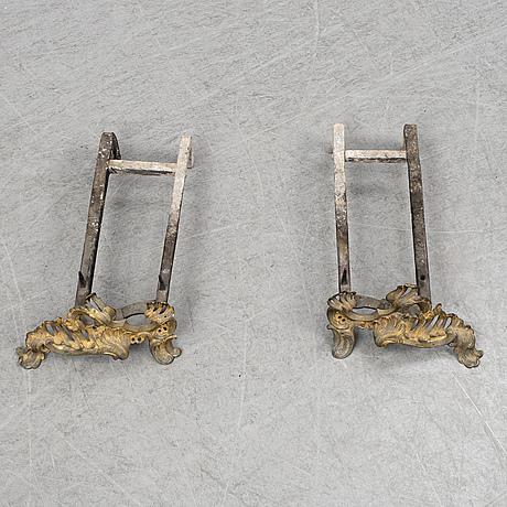 Eldhundar, ett par, louis xv-stil, 1800-tal.