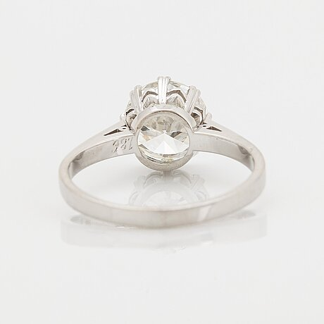 An 18k white gold ring set with a round brilliant-cut diamond weight 1.86 cts according to engraving.
