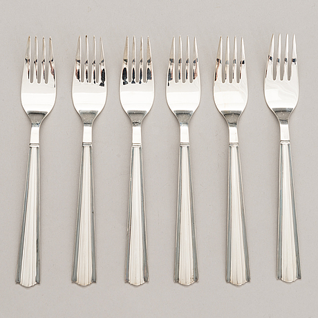 Holger rasmussen, a 35-piece set of 'margit' silver cutlery (916 and 925), hopeatehdas and kultakeskus, finland 1958-71.