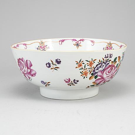 A famille rose punch bowl, qing dynasty, qianlong (1736-95).