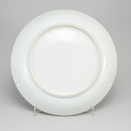 Two export dishes, qing dynasty, 18th century.
