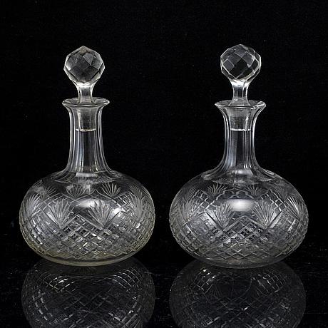 Karaffer, fyra stycken, glas. 1900-tal.