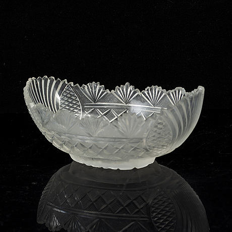 A set of three cut glass bowls, england, 19th century.
