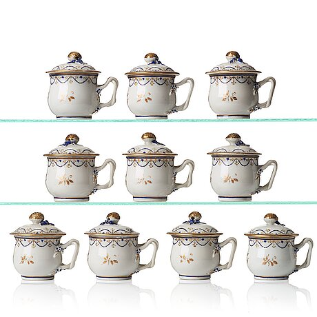 A set of 10 custard cups with covers, qing dynasty, jiaqing (1796-1820).