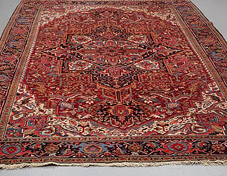 A carpet, semiantik heris/gorovan, ca 353 x 238 cm.