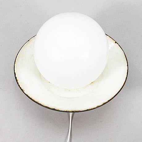 Paavo tynell, a 1930/1940's '2601-23,' wall light for taito finland.