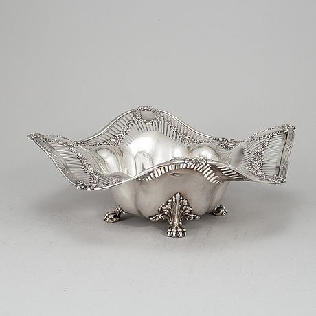 A tiffany & co. silver bread basket. louis xvi - style.