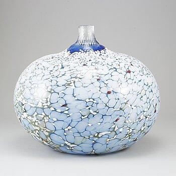 BERTIL VALLIEN, a glass vase from kosta Boda, signed.