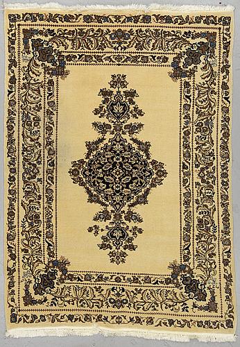 A rug old tabriz 194 x 138 cm.