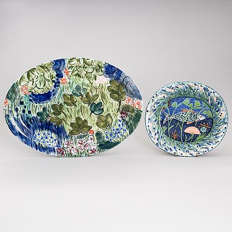 Dorrit von fieandt, a ceramic bird shape lidded serving bowl, a platter and a dish, signed dvf. arabia 1980s.