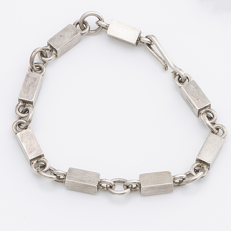 A wiwen nilsson necklace and bracelet, sterling silver,lund 1967. total weight 93 gram.