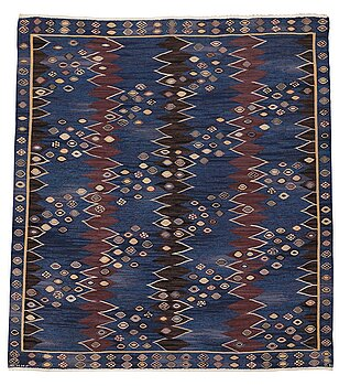 "215. Barbro Nilsson, A CARPET, ""Snäckorna"", flat weave, ca 267-268 x 234,5-246,5 cm, signed AB MMF BN."