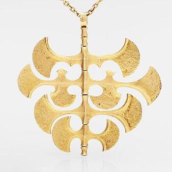"""TAPIO WIRKKALA, A 14K gold necklace """"Viking pendant"""". Westerback, Helsinki 1972."""