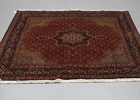 A rug, mahi tabriz, ca 201 x 201 cm.