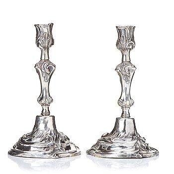 103. A pair of Swedish rococo argent haché candlesticks, by Caspar Liendenberg, Stockholm 1770.