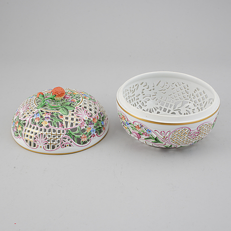 A herend porcelain bowl with cover, hungary, 20th century.