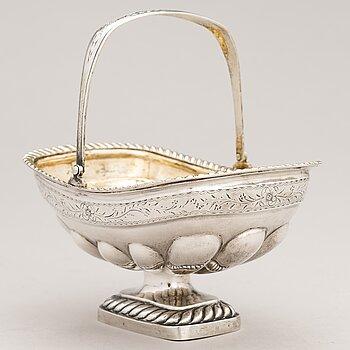 A Russian sweetmeat basket, assayer's mark of Aleksandr Yashinov (1795-1826), Saint Petersburg.