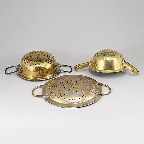 Durkslag / silar, 3 stycken, mässing, omkring år 1800.