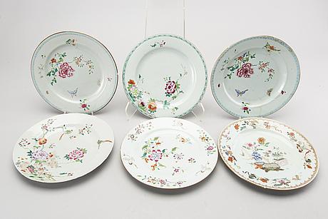 A set of six chinese qianlong porcelain plates.