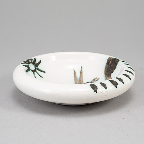 Pablo picasso, a faience dish, madoura, vallauris, france, post 1952, a.r. 174.