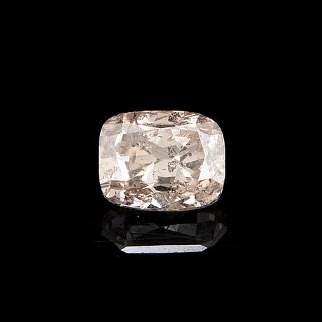 Cushion 0,50 ct fancy yellowish pink loose diamond.