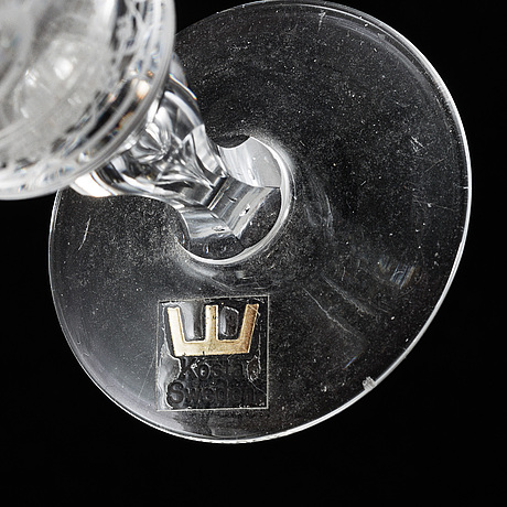Vicke lindstrand, three vodka glasses and two beer glasses, 'dalecarlia' from kosta.