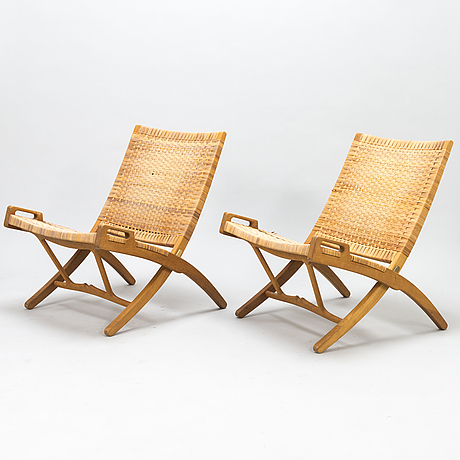 Hans j wegner, a pair of jh-512 folding chairs for johannes hansen, denmark, early 1980s. model designed in 1949.