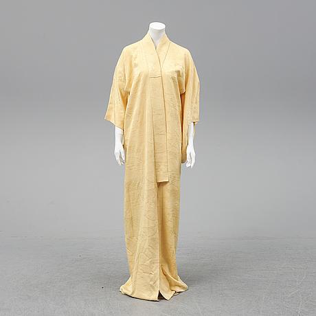 A japanese kimono, 20th century.