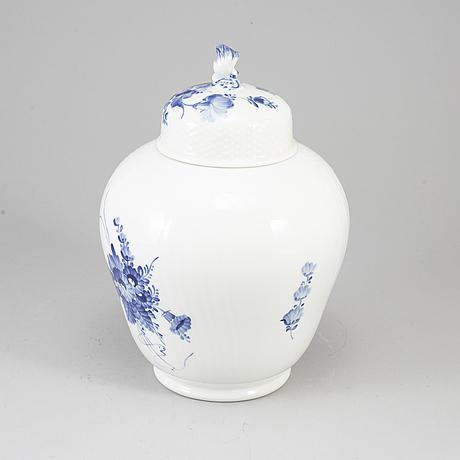 Royal copenhagen, a porcelaine vase.