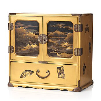 611. A Japanese lacquered cabinet, Meiji period (1868-1912).