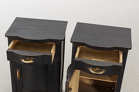 SÄngbord ett par 1900-talets första hälft.