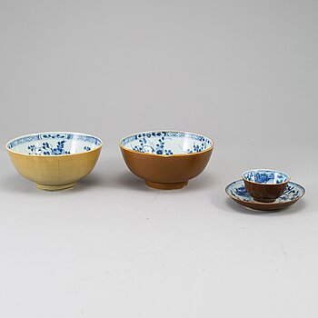 A group of three blue and white and capucciner glazed objects, Qing dynasty, Qianlong (1736-95).