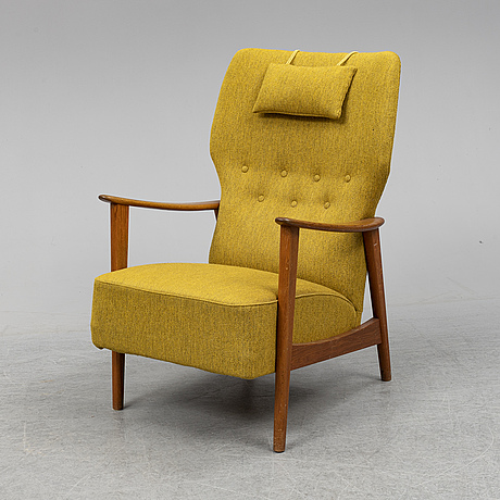 A 1950's easy chair.