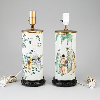 Two Chinese famille rose hat stands turned into table lamps, 20th century.