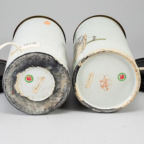 Perukvaser, omgjorda till bordslampor, två stycken, porslin. kina, 1900-tal.