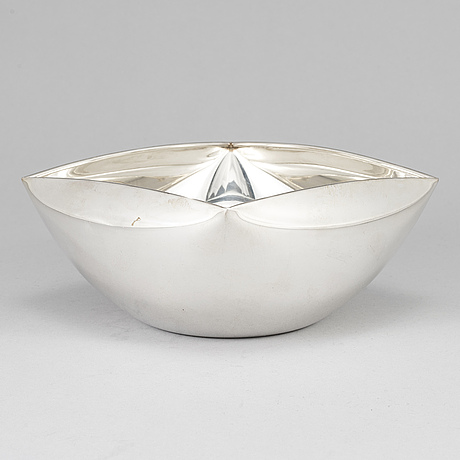A sterling silver bowl, second half of the 20th century.