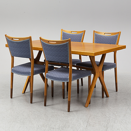 Table with 4 chairs, late 20th centruy.