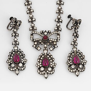 DEMI PARURE, necklace and earrings, with paste and red synthetic stone, with fitted box.