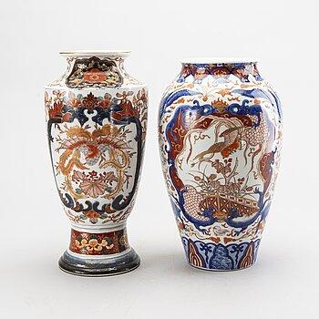 A set of two Japanese Meiji Imari porcelain vases.