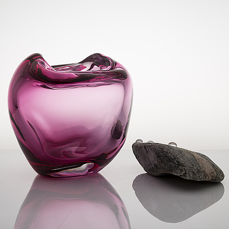 Marja hepo-aho, sculpture, 'finally together' signed marja hepo-aho 2020. glass studio mafka & alakoski.